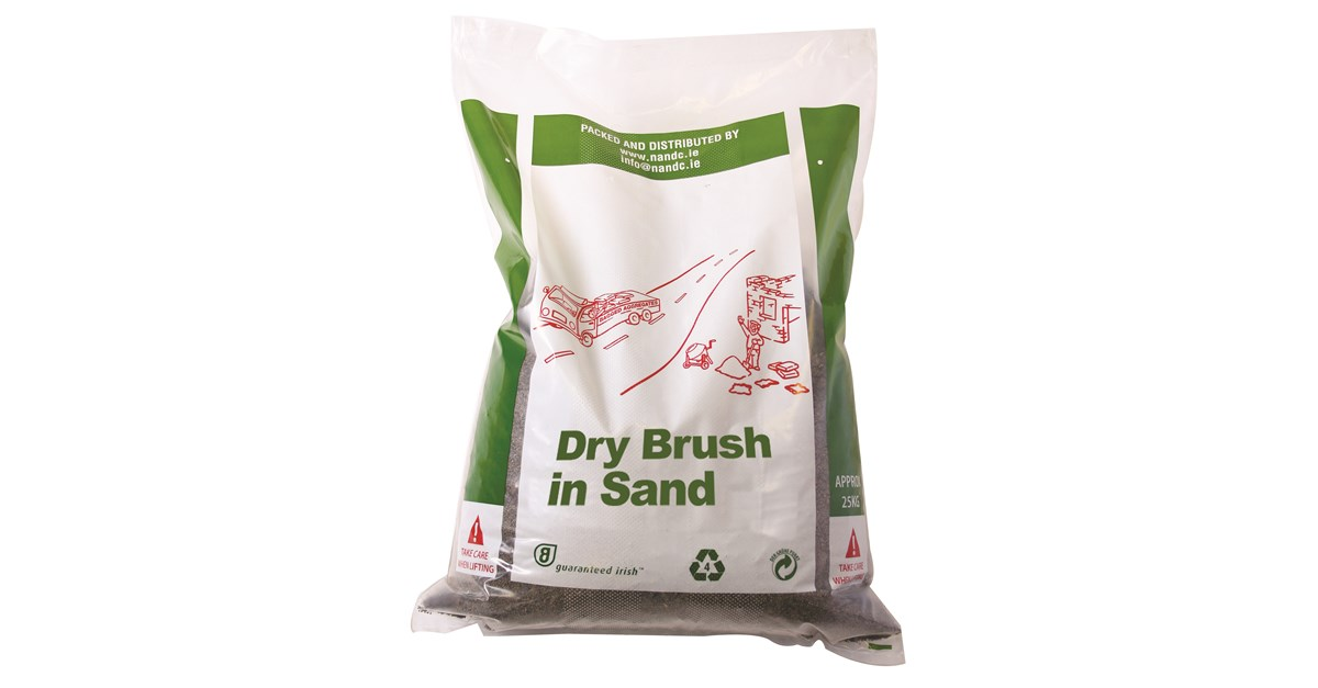 N Amp C Brush In Dry Sand 25kg Paving Abs Building Supplies